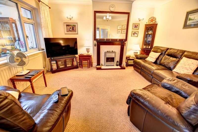 2 Bedrooms Semi Detached Bungalow for sale in Beckenham Avenue, East Boldon