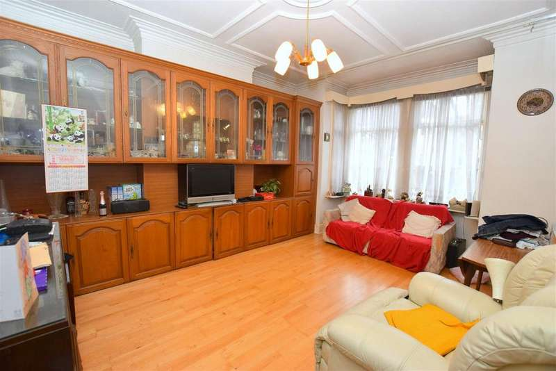 4 Bedrooms Detached House for sale in Dawlish Road, Leyton