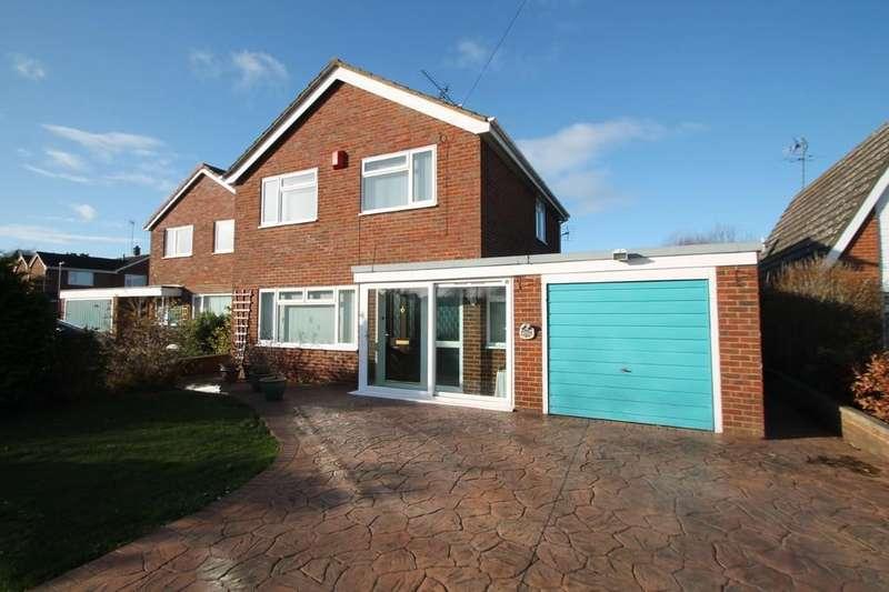 3 Bedrooms Detached House for sale in Langdon Avenue, Aylesbury