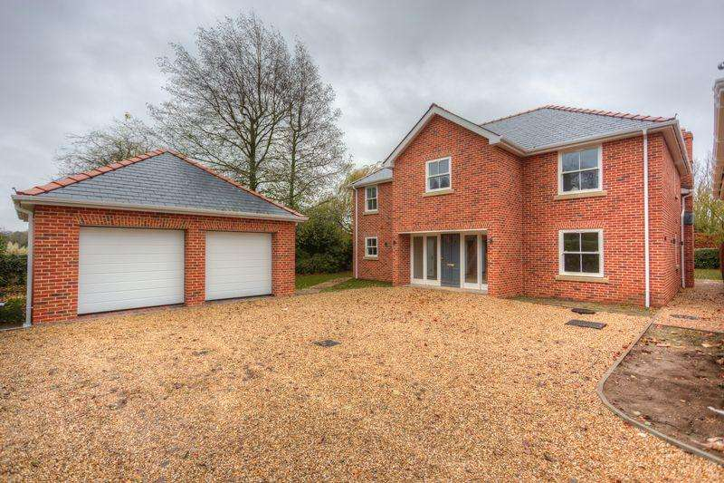 4 Bedrooms Detached House for sale in Market Street, Fordham