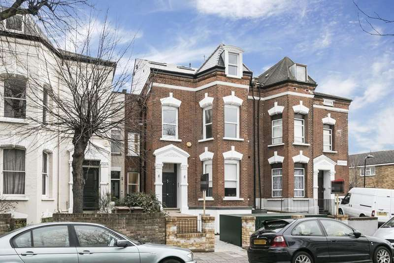 2 Bedrooms Flat for sale in Mount Pleasant Lane, London, E5