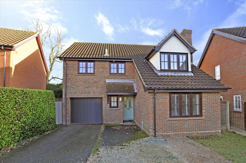 4 Bedrooms Detached House for sale in Lichfield Close, Chelmsford