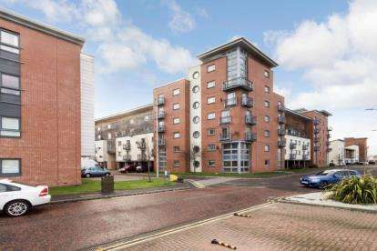 2 Bedrooms Flat for sale in Thorter Neuk, Dundee