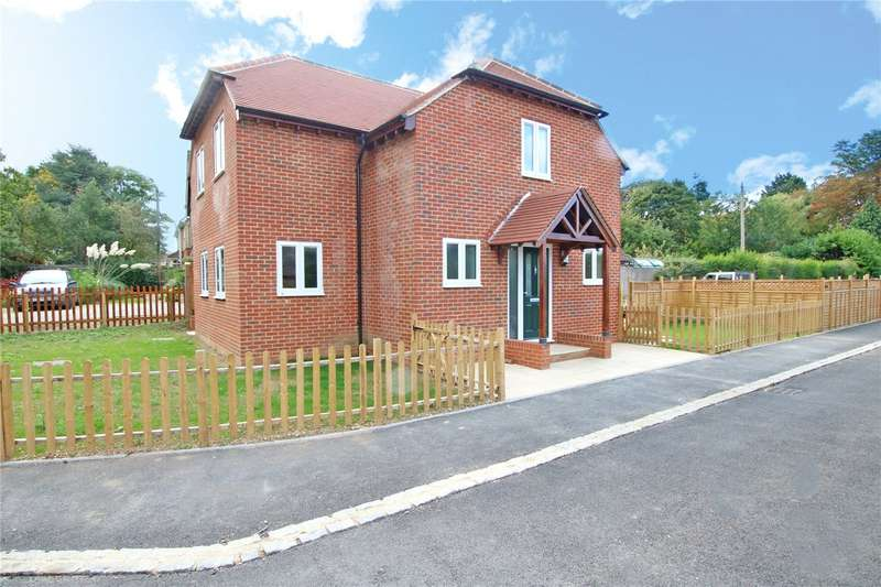 4 Bedrooms Detached House for sale in Beech Lane, Woodcote, Reading, Berks, RG8