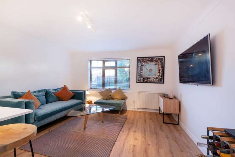 2 Bedrooms Flat for sale in Sunnyhill Road, Streatham, SW16