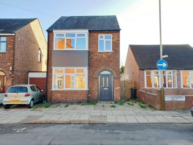 3 Bedrooms Detached House for sale in Marston Road, Near Barkby Road, Leicester
