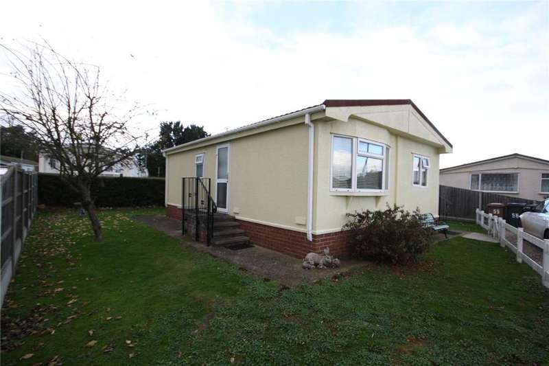 2 Bedrooms Detached Bungalow for sale in Orchards Park, Ruskington, Sleaford, Lincolnshire, NG34