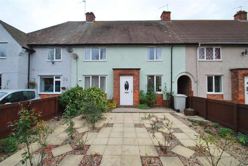 4 Bedrooms Terraced House for sale in Sandbeck Avenue, Skegness