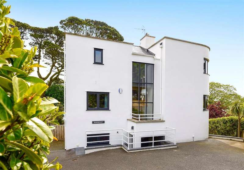 5 Bedrooms Detached House for sale in Saffron Close, Fowey