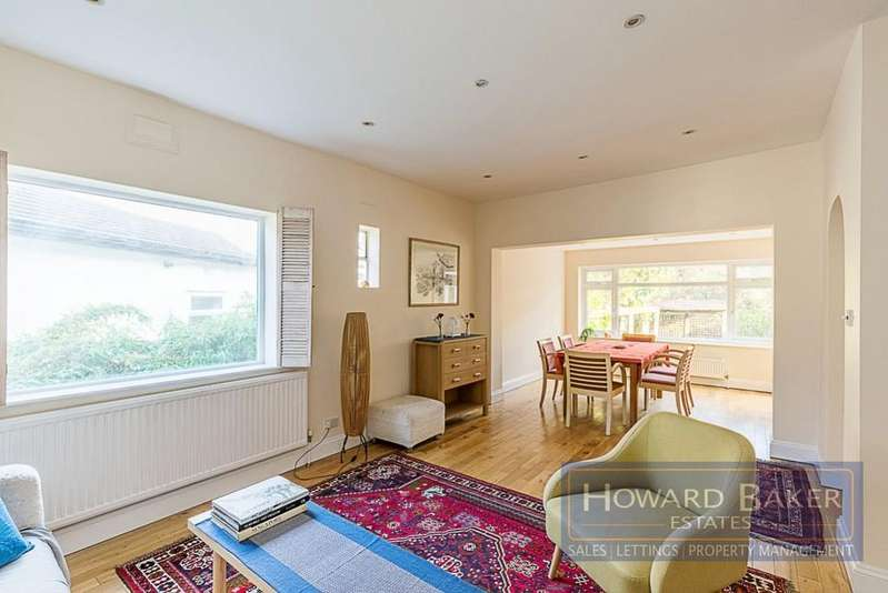 3 Bedrooms Detached House for sale in Kinloch Drive, Kingsbury