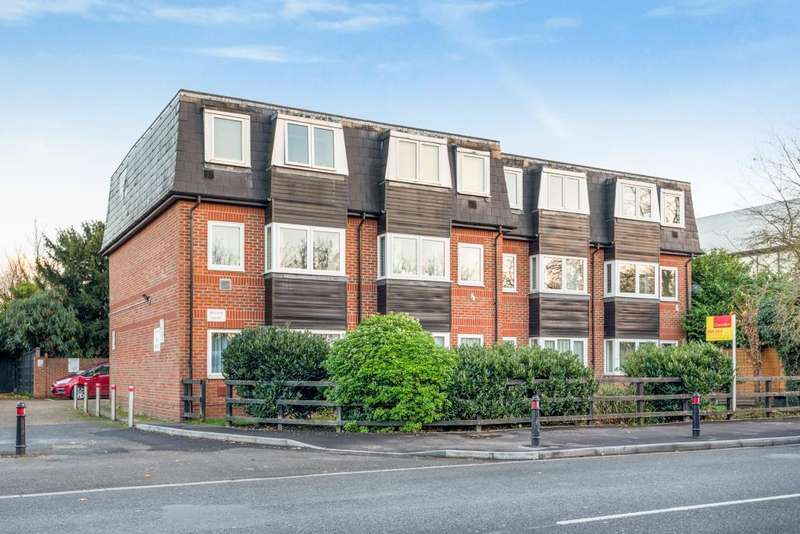 1 Bedroom Flat for sale in Colnbrook, Slough, SL3