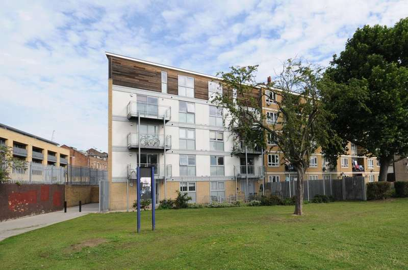 2 Bedrooms Flat for sale in Chadbourn Street, Poplar, E14