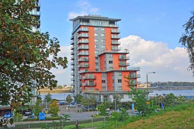2 Bedrooms Flat for sale in Mizzen Mast House, Mast Quay, Woolwich, London, SE18