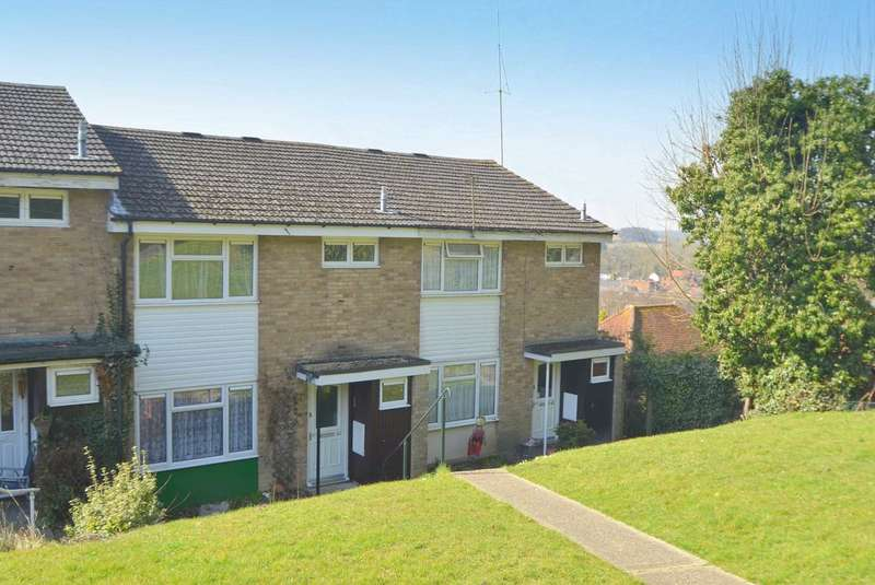 3 Bedrooms Terraced House for sale in Five Acres, Chesham HP5