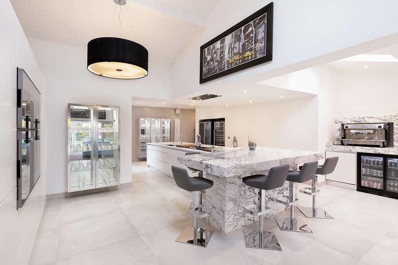 7 Bedrooms Detached House for sale in Peel Moat Road, Heaton Moor
