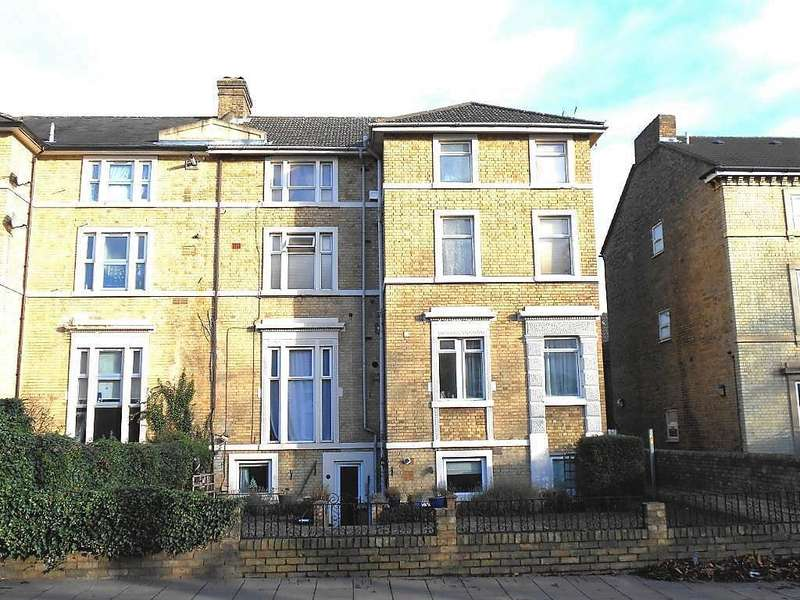 1 Bedroom Maisonette Flat for sale in Ashburnham Road, Bedford, Bedfordshire, MK40 1EA