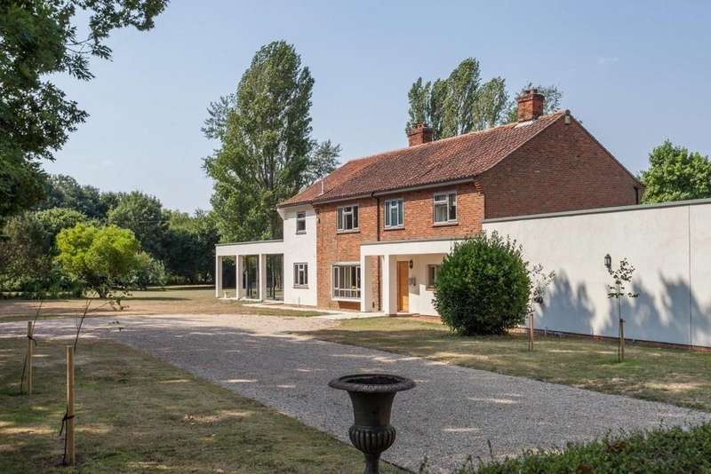 5 Bedrooms Detached House for sale in East Tuddenham