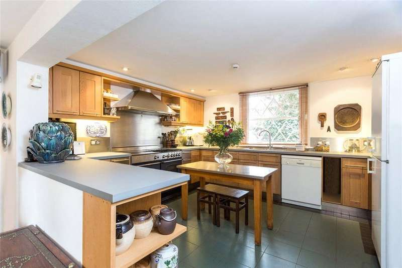 5 Bedrooms Flat for rent in De Beauvoir Square, London