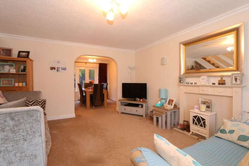 3 Bedrooms Property for sale in Rectory Close, Denton, Manchester, M34