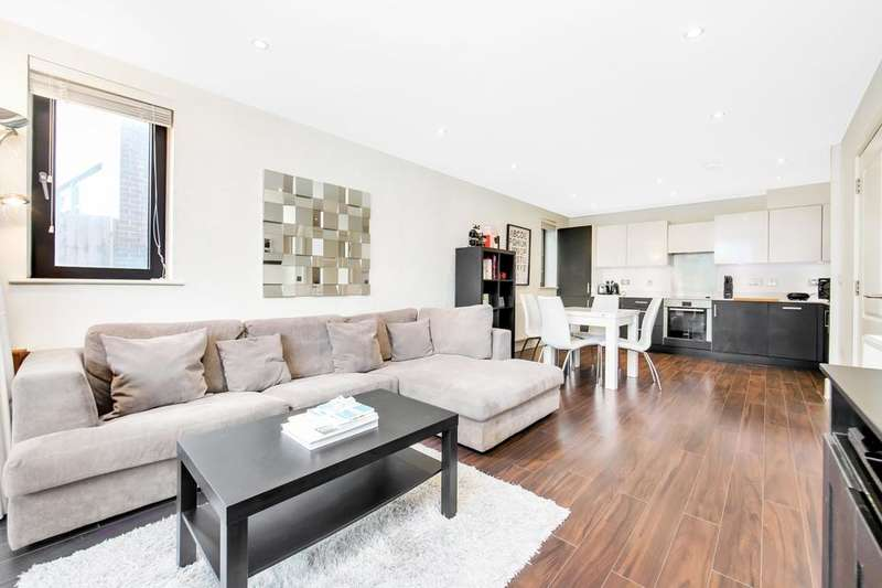 2 Bedrooms Flat for sale in Newton Court, Axio Way, London E3