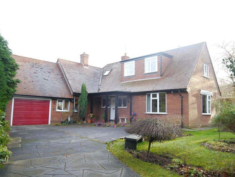 4 Bedrooms Detached House for sale in SPACIOUS FAMILY DORMER BUNGALOW WITH CHARACTER The Rise, Darras Hall