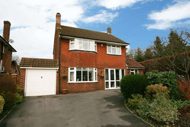 3 Bedrooms House for sale in Holly Close, Farnham Common, Buckinghamshire SL2