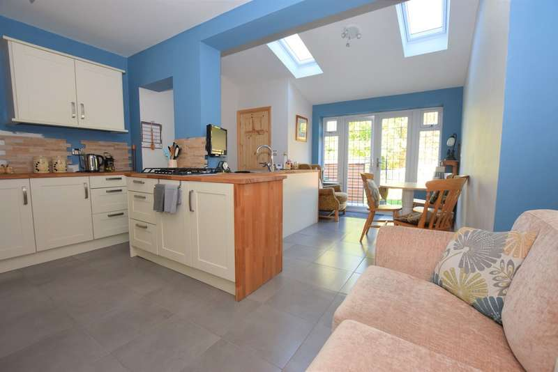 3 Bedrooms Terraced House for sale in Tudor Road , Hinckley LE10