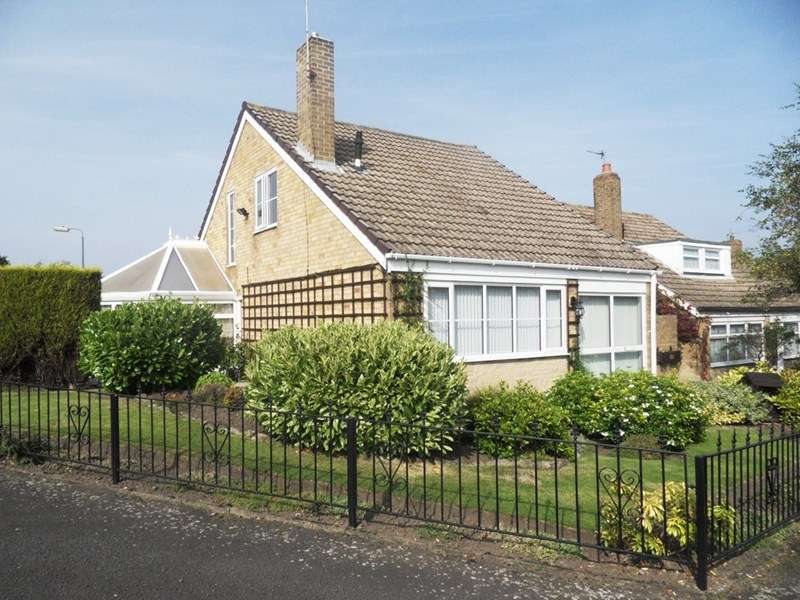 3 Bedrooms Property for sale in Heathmeads, Pelton, Chester Le Street, Durham, DH2 1NB