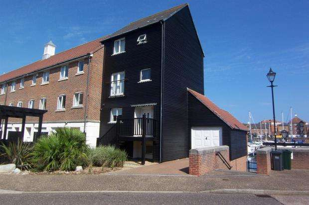4 Bedrooms Terraced House for sale in Leeward Quay, Sovereign Harbour South, Eastbourne