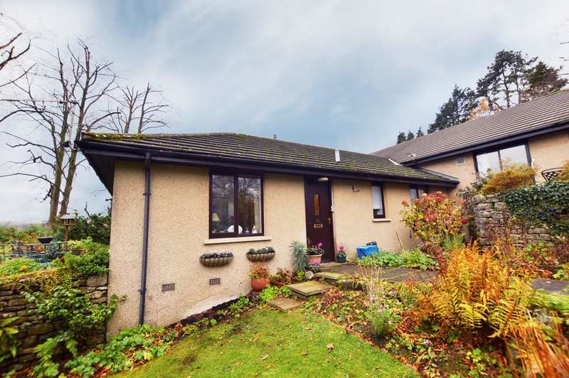 2 Bedrooms Terraced Bungalow for sale in Stonecross Gardens, Kendal