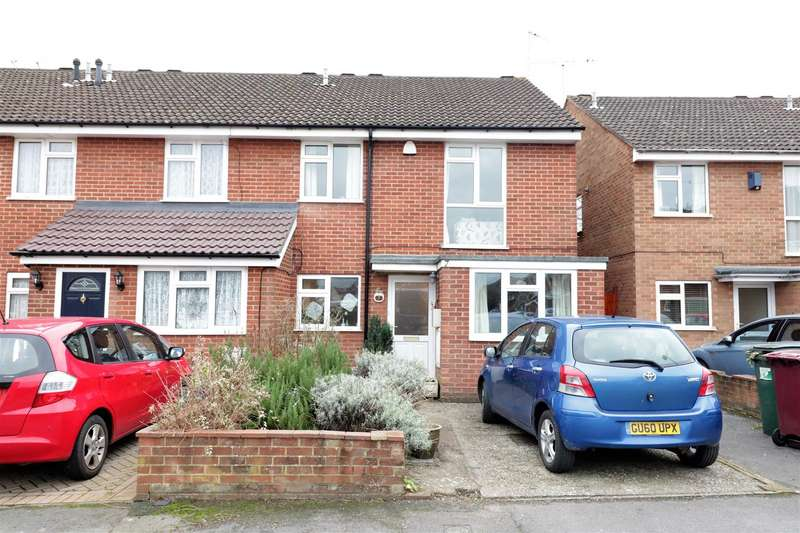4 Bedrooms End Of Terrace House for sale in Windrush Way, Reading