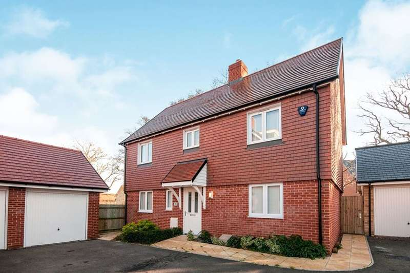 4 Bedrooms Detached House for sale in Highgrove Crescent, Polegate, BN26