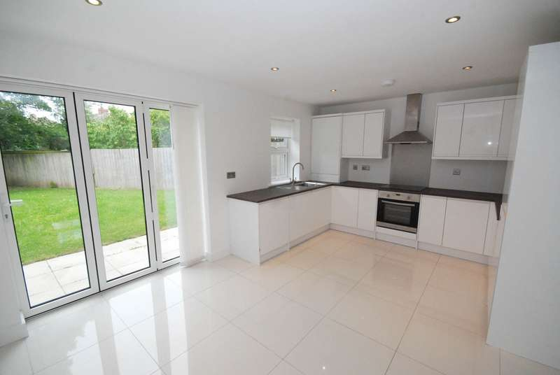 4 Bedrooms Detached House for sale in Monkton Dene View, Jarrow
