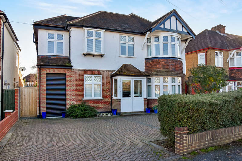 5 Bedrooms Detached House for sale in Elgar Avenue, Surbiton