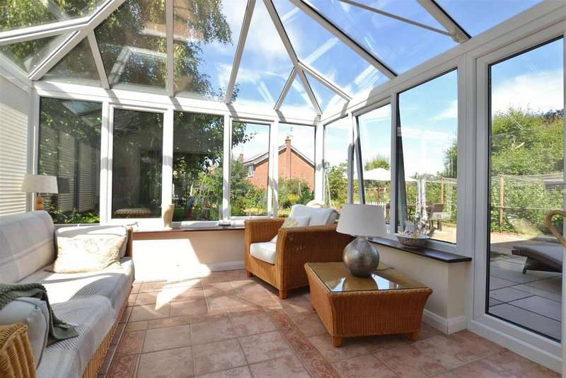 5 Bedrooms Detached House for sale in Chatsworth Avenue, Southwell