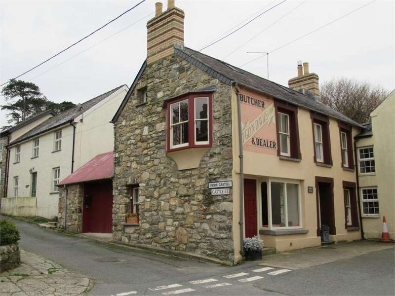 4 Bedrooms Semi Detached House for sale in Gwynfi House, Market Street, Newport, Pembrokeshire
