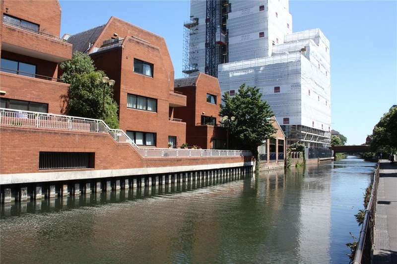 2 Bedrooms Apartment Flat for sale in Selborne Court, Reading, Berkshire, RG1