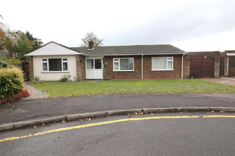 4 Bedrooms Bungalow for sale in Saffron Close, Earley, Reading, Berkshire, RG6
