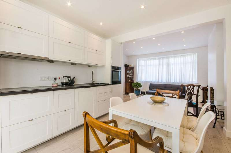 3 Bedrooms House for sale in Berryhill, Eltham, SE9