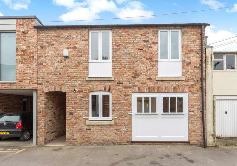 2 Bedrooms House for sale in Wellington Lane, Cheltenham, Gloucestershire, GL50