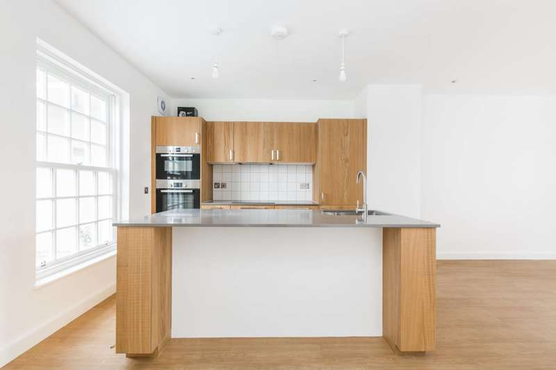 3 Bedrooms House for sale in Blaker Island, Stratford, E15
