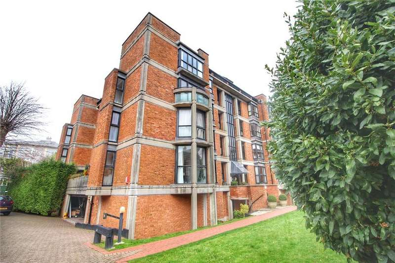 2 Bedrooms Apartment Flat for sale in Shorland House, Beaufort Road, Bristol, Somerset, BS8