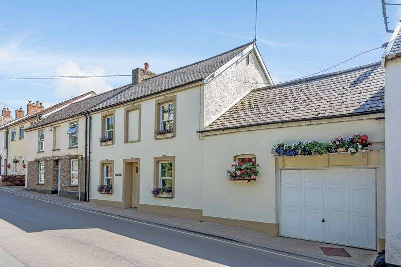 4 Bedrooms Property for sale in Victoria Street, Combe Martin