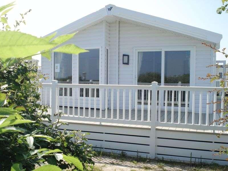 2 Bedrooms Property for sale in  Solent Breezes, Hook Lane, Warsash, Hampshire SO31 9HG