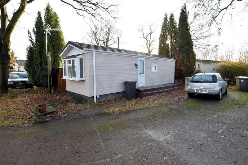 1 Bedroom Park Home Mobile Home for sale in Seventh Ave, Garston Park, Tilehurst, Reading