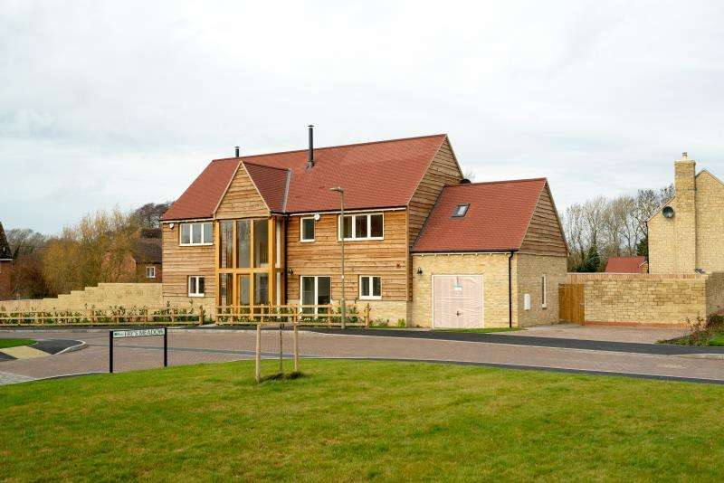 4 Bedrooms Detached House for sale in The Ashbury, Plot 17, Bow Farm, Bow Road, Stanford in the Vale, Faringdon