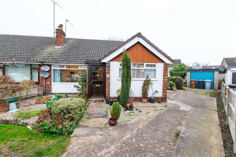 3 Bedrooms Semi Detached Bungalow for sale in Coniston Close, Nantwich, Cheshire