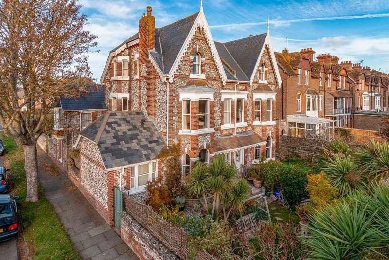 6 Bedrooms Semi Detached House for sale in Irvine Road, Littlehampton