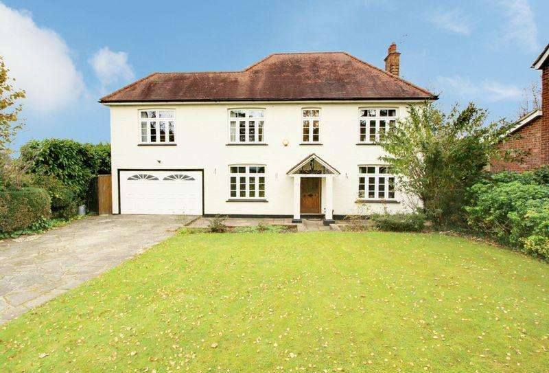6 Bedrooms Detached House for sale in Tolmers Road, Cuffley