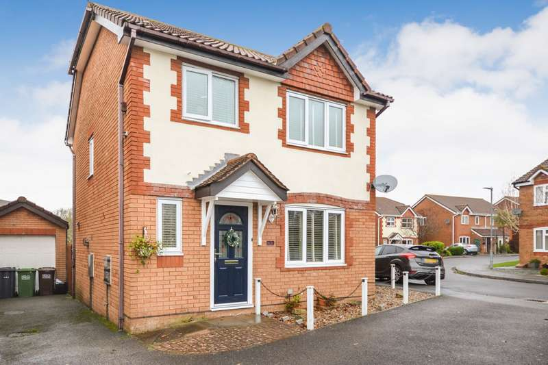 3 Bedrooms House for sale in St Mellion Close, Hailsham, BN27